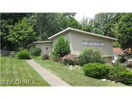 33 Hume Hill Dr Amherst OH, 44001