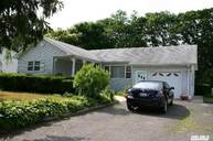 38 E Arpage Dr Shirley NY, 11967