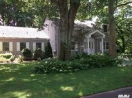 2 Oakwood St Greenlawn NY, 11740