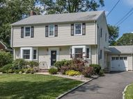308 Garrett Rd Mountainside NJ, 07092