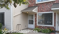 30603 Hidden Pines Lane Roseville MI, 48066
