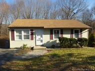 41 Carriage Dr Naugatuck CT, 06770