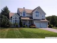 35 Crown Cir Lakewood NJ, 08701