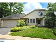 1 Red Oak Dr Elkins Park PA, 19027