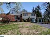 7 Rose Tree Dr Broomall PA, 19008