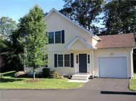 1 Mourning Dove Cir 1 New Haven CT, 06513