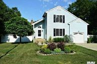 49 Ciliotta Ln Port Jefferson Station NY, 11776
