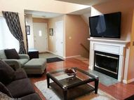 219 Castlewood Dr 219 Bloomfield CT, 06002