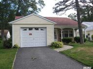 346 Edinburgh Dr Ridge NY, 11961