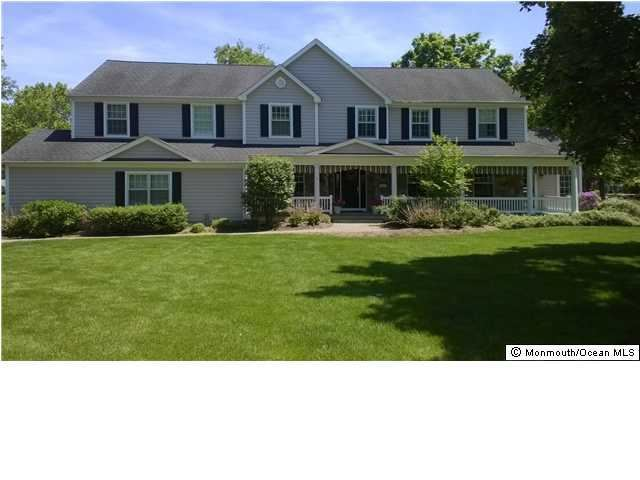 14 Holly Tree Ln Little Silver NJ, 07739