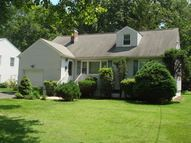 24 Oak Dr Roseland NJ, 07068
