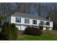 8 Baldwin Dr Waterford CT, 06385