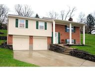 7696 Burlinehills Ct Cincinnati OH, 45244