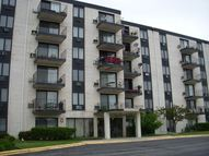9074 West Terrace Drive 1a Niles IL, 60714