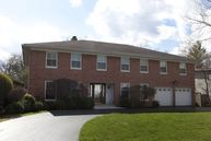 594 Woodland Lane Northfield IL, 60093