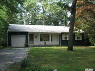 55 Spring St Wheatley Heights NY, 11798