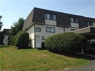 25 Salmon Run 25 Suffield CT, 06078