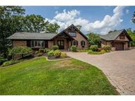 9 Woodview Drive Lake Saint Louis MO, 63367