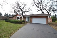 1070 Woodcliff Drive South Elgin IL, 60177
