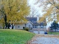 2111 Crescent Dr Liberty MO, 64068