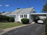 179 Maplecrest Dr Pawtucket RI, 02861