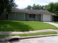 5402 Hirondel Houston TX, 77033