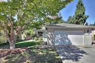 18639 Sandy Rd. Castro Valley CA, 94546