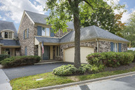 27 Court Of Island Northbrook IL, 60062