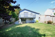 527 N 103rd St Seattle WA, 98133