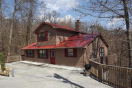 1009 Twin Oaks Rd Gatlinburg TN, 37738