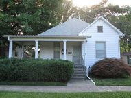 209 N Sycamore Olney IL, 62450