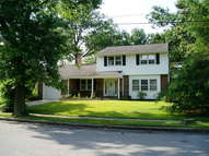 457 Windsor Dr Gibbstown NJ, 08027
