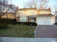 385 Robyn Pl East Meadow NY, 11554
