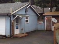 1030 Sw 17th Lincoln City OR, 97367