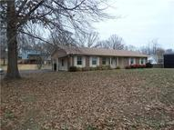 1618 Deer Hollow Dr Lawrenceburg TN, 38464