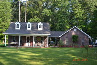 77 Reedy Creek Road Laurel MS, 39443