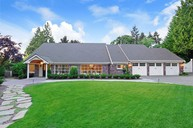 9092 Ne 39th Place Yarrow Point WA, 98004