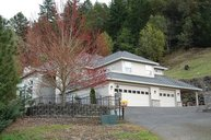 226 Gray Squirrel Ct. Winchester OR, 97495