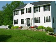 33 Westview Dr Oxford MA, 01540