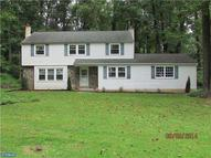 5 Northwood Dr Downingtown PA, 19335