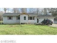 4240 State Route 305 Southington OH, 44470