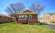 9210 South Troy Avenue Evergreen Park IL, 60805