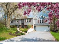 19 Glenview Dr Glenmoore PA, 19343