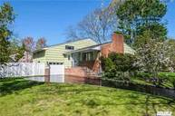 23 Brookside Dr Huntington NY, 11743