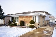 8320 West Maple Avenue Norridge IL, 60706