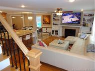 36 Iroquois Rd West Hartford CT, 06117