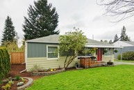 847 Ne 189th S. Seattle WA, 98155