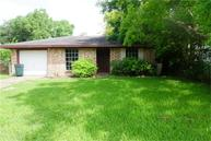 926 Bacliff Dr Bacliff TX, 77518