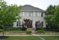 6715 W Stonegate Dr Zionsville IN, 46077