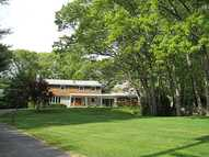 195 Governors Dr East Greenwich RI, 02818